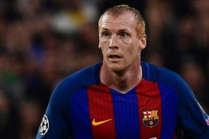 Barcelona allow defender Jeremy Mathieu to train with Sporting Lisbon