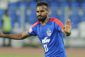 ISL: Can learn from Berbatov, says CK Vineeth