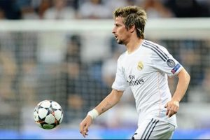 Real Madrid loans Fabio Coentrao to Sporting Lisbon