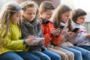 Help your kids to be away from gadget mania