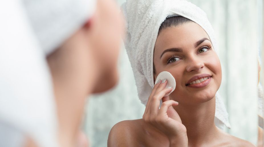 Beware! Makeup remover can harm your skin
