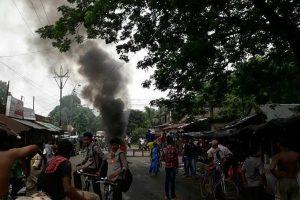 BJP MPs en route to Basirhat detained in Kolkata