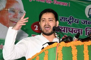 Tejashwi kicks off rally against Nitish's 'opportunistic alliance'