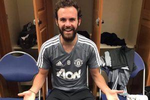 Juan Mata can't believe Romelu Lukaku's shoe size