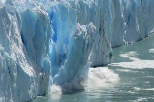 Trillion tonne iceberg breaks off Antarctica shelf