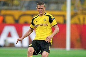 Borussia Dortmund midfielder Sven Bender moves to Bayer Leverkusen