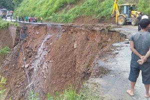 Landslide kills 1 in Manipur, injures 4