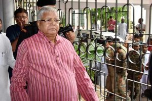 On fodder case judgment day, Lalu's family seeks divine blessings