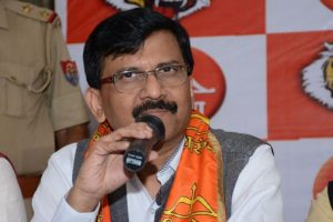 Shiv Sena questions EC order disqualifying 20 AAP MLAs