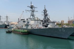 10 US sailors missing after destroyer collision