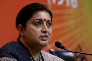 Smriti Irani reaches Gandhis' bastion of Amethi-Rae Bareli