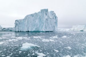 Strong winds behind massive Antarctic ice shelves breaking off