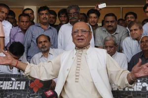 Vaghela announces third front, to support independent candidates
