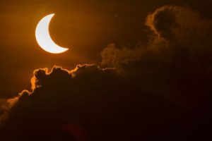 US firms may lose $700mn as workers watch solar eclipse