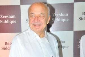 Cong will buck the trend, retain power in Himachal: Shinde