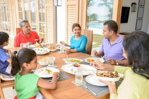 Why it is important for women to eat with their families
