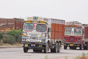 Two Madhyamik examinees run over, local people block NH-34