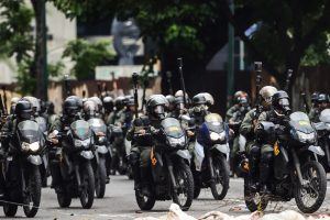 Venezuela vote triggers deadly 'war' in the streets