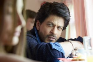 SRK injures back while on way to Kolkata for JHMS promotion
