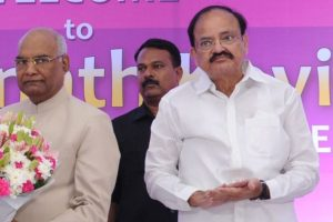 President, Vice President greet people on Dussehra