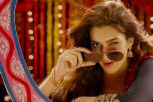 Kriti Sanon applauded by Amitabh Bachchan for Bareilly ki Barfi