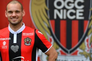 Nice sign Dutch veteran midfielder Wesley Sneijder
