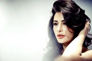Nargis Fakhri to walk for Anushree Reddy at LFW W/F'17