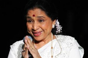 Yash Chopra award for Asha Bhosle, is 5th recipient