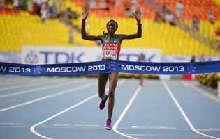 Kiplagat retains women's marathon title