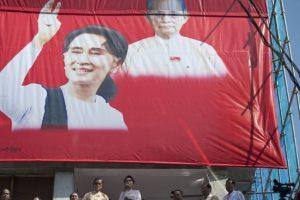 Nobel laureates criticize Aung San Suu Kyi over Rohingya