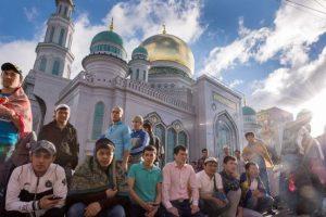 US mosques get bomb threat
