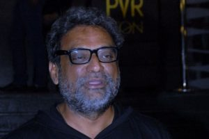 Prasoon knows importance of supporting, not destroying films: Balki