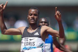 Edris beats Farah to 5,000m world title