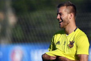 Borussia Dortmund sign Dynamo Kiev striker Andriy Yarmolenko