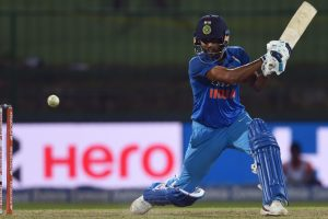 Dhoni told me to bat like I do in Test cricket: Bhuvneshwar