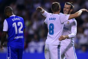 Real Madrid cruise to win at Deportivo in La Liga opener
