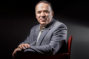 'Chess god' Gary Kasparov returns to compete 12 years later