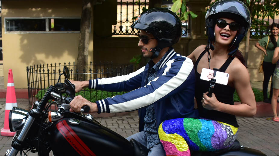 Pictures, Sidharth Malhotra, Jacqueline Fernandez, bike ride