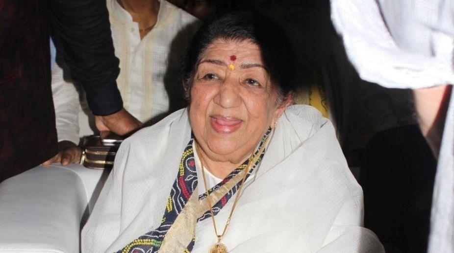 Padma Bhushan, Prasoon Joshi, Lata Mangeshkar