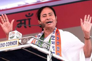 Mamata Banerjee bats for language education