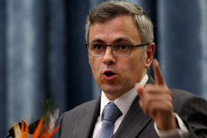 Omar Abdullah chides government over Geelani