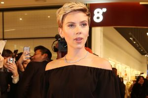 Pic: Scarlett Johansson flaunts new tattoo on her back