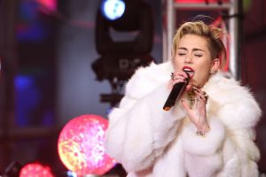 Miley Cyrus releases single 'Younger now'