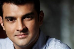 Siddharth Roy Kapur signs director RS Prasanna for his next!
