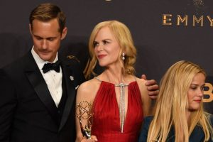 Kidman kisses Skarsgard, Urban claps away!