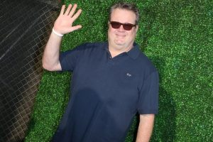 Eric Stonestreet gushes about girlfriend