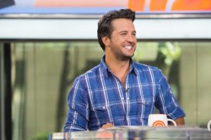 Luke Bryan may judge 'American Idol'