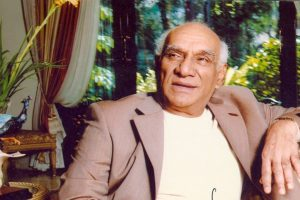 B-town pays homage to 'legendary' Yash Chopra