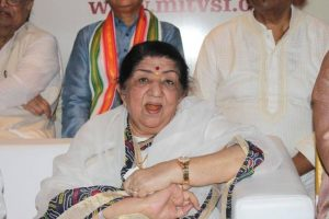 Lata Mangeshkar receives much love from Bollywood on her birthday