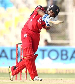 Lewis helps T&T stay afloat